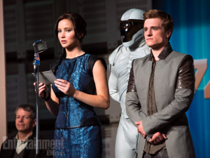 Catching-fire-katniss-peeta